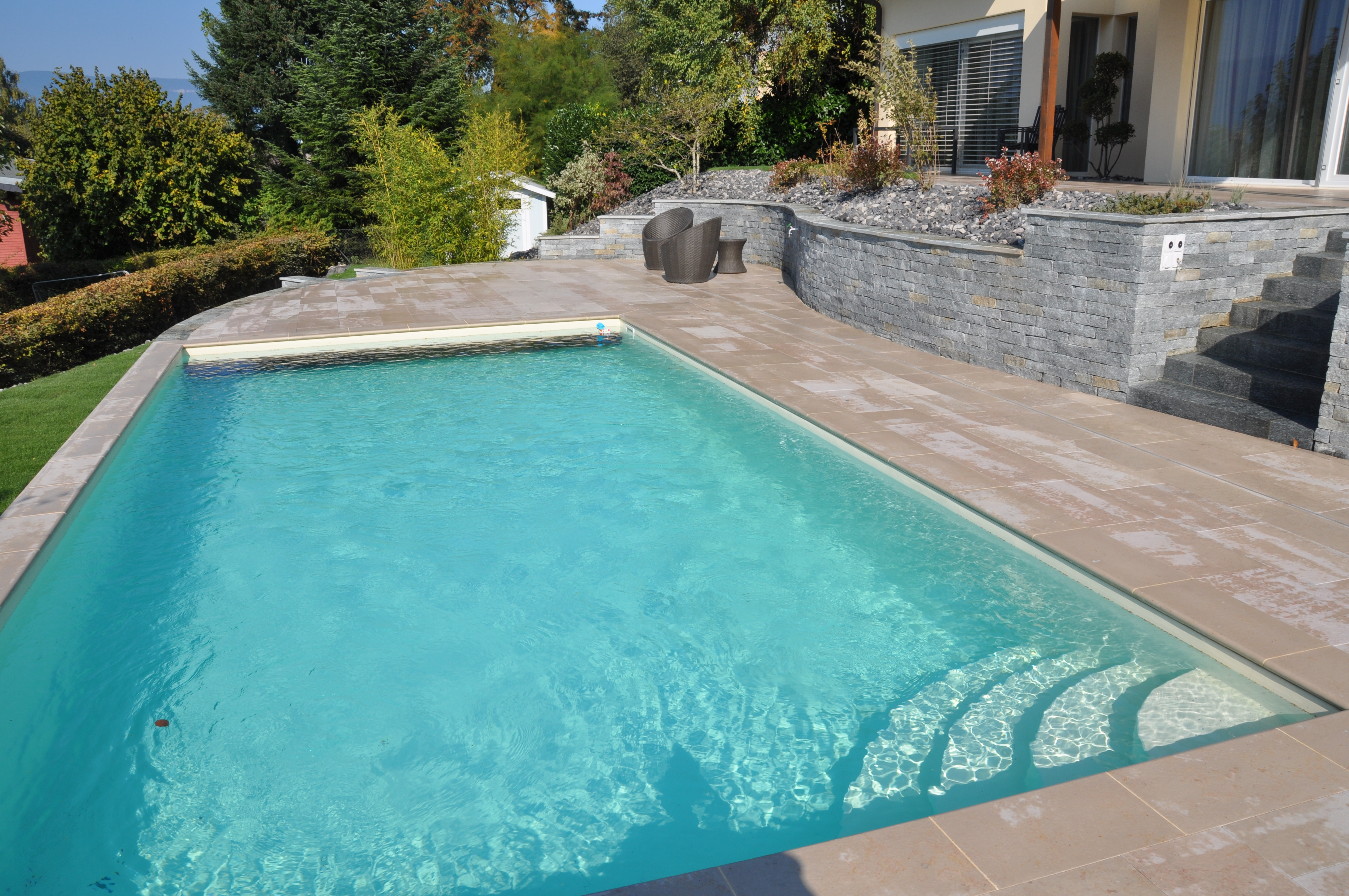 Piscine autoportante piscines bertrand for Piscine autoportante