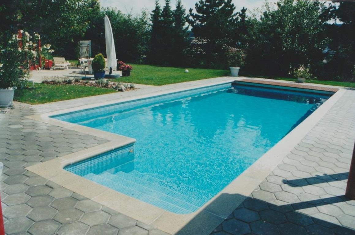 forme de piscine beautiful ralisation piscine bton forme libre puyricard with forme de piscine. Black Bedroom Furniture Sets. Home Design Ideas